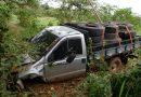Motorista cai em ribanceira após desviar de buraco em vicinal de Rinópolis